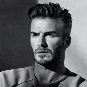 David Beckham jellegeztesen szögletes arcformával rendelkezik